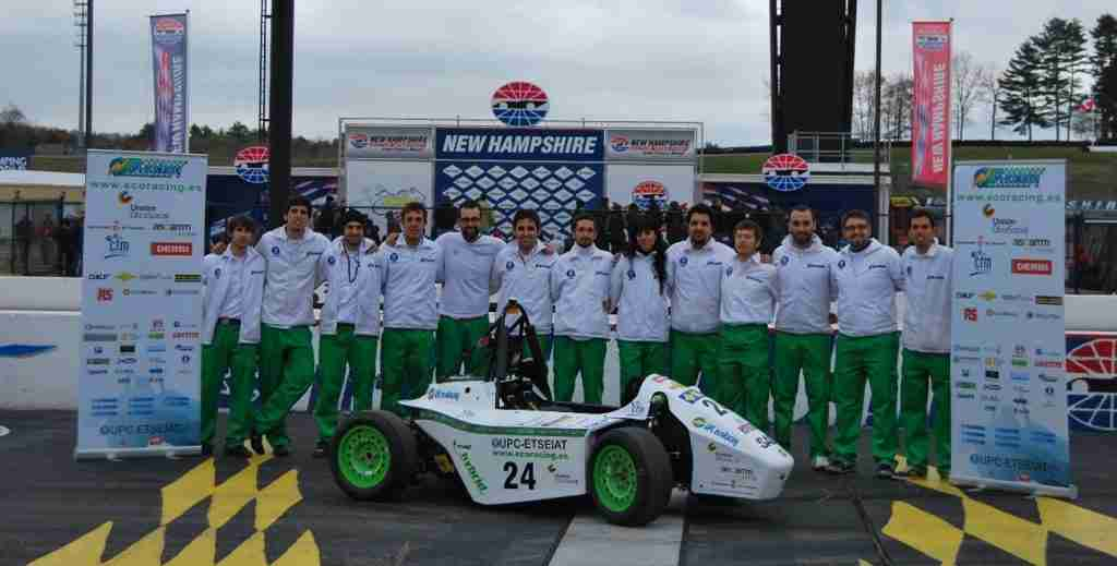 UPC ecoR2 2011 EVO and team after winning in the global project category at New Hampshire International Speedway in the United States in May 2012.